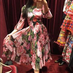 Dresses & Skirts - Pink Rose Midi Dress🌷